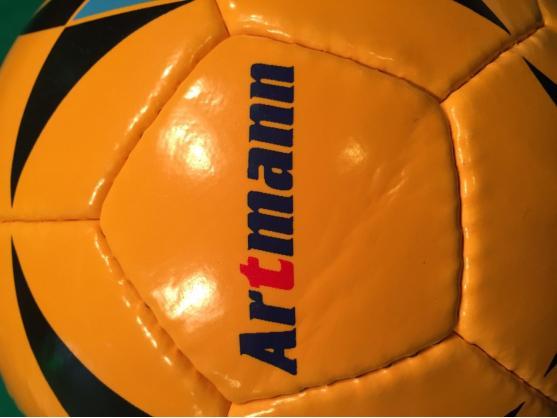 Футбольный мяч ARTMANN оранжевый
