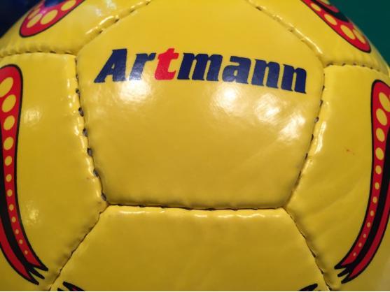Футбольный мяч ARTMANN желтый с полосами